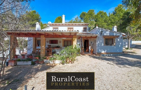 Rustic property with business possibilities and ideal for living in nature